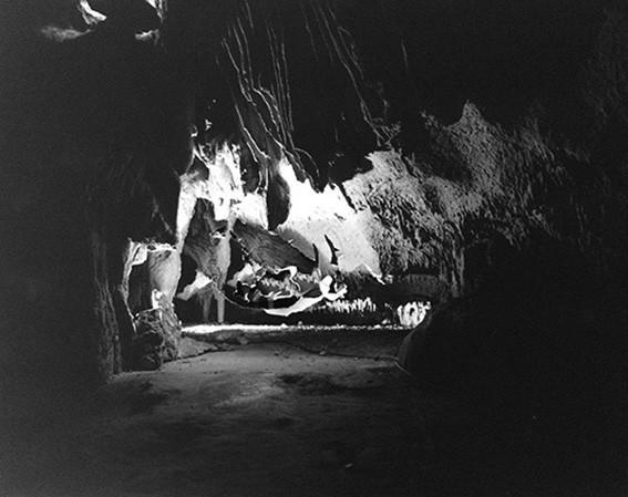 http://dunevarela.com/files/gimgs/th-67_67_67_caves01_v3.jpg